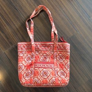 Like new, Vera Bradley shoulder bag!